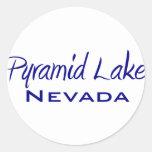 Lago pyramid etiquetas redondas