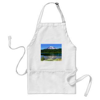 Lago reflection, el Monte Rainier, WA, los E.E.U.U Delantal