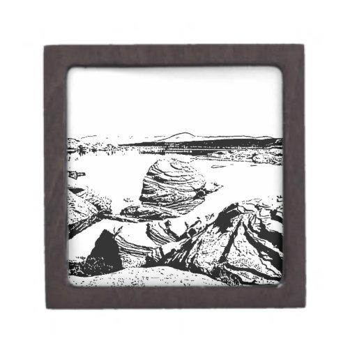 Lago rocoso en pluma y tinta caja de joyas de calidad