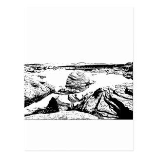 Lago rocoso en pluma y tinta tarjeta postal