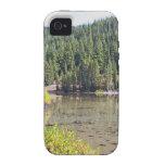 Lago salvaje en las montañas de la cascada de Oreg iPhone 4 Carcasa
