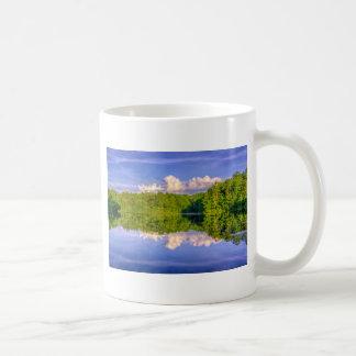 Lago Sesqui Taza Básica Blanca