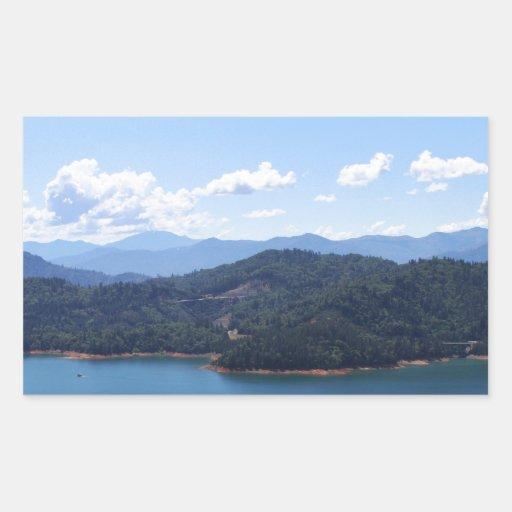 Lago Shasta en Redding, California Rectangular Pegatinas