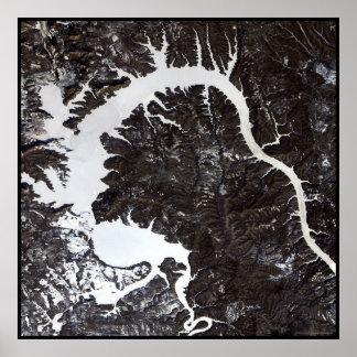 Lago Siberia dragon Póster