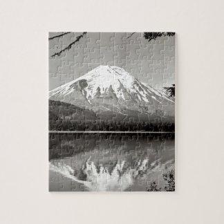 Lago spirit del Monte Saint Helens de la escena Puzzles Con Fotos
