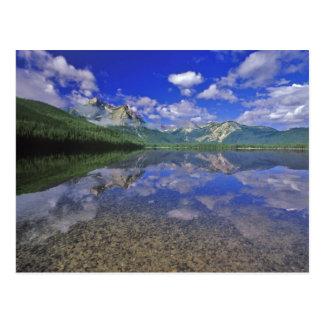 Lago stanley en las montañas del diente de sierra tarjeta postal