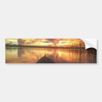 Lago sunset etiqueta de parachoque