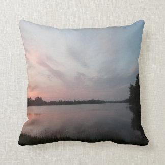 Lago sunset cojines