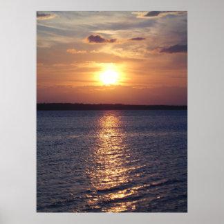 Lago sunset (vertical) póster