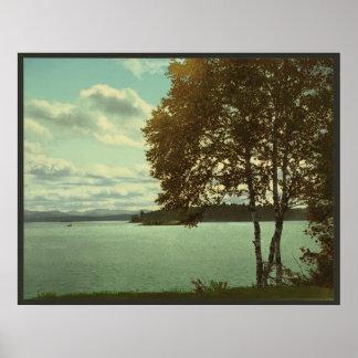 Lago superior Saranac, montañas de Adirondack Póster