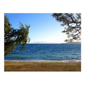 Lago Taupo en la luz de la tarde, Nueva Zelanda. Postal