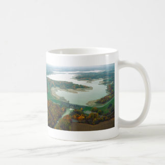 Lago y presa 2 berlin taza clásica