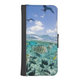 Lagoon safari trip featuring Stingrays Phone Wallet
