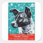 Laika 1957 el perro del espacio pegatina cuadrada