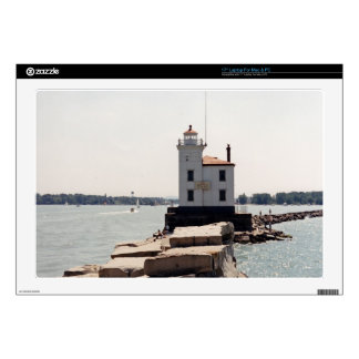 "Lake Erie Lighthouse 17"" Laptop Skin"