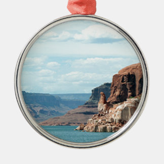 Lake Powell, Glen Canyon, Arizona, USA 6 Round Metal Christmas Ornament