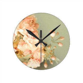 Lamentable ruborícese reloj redondo mediano