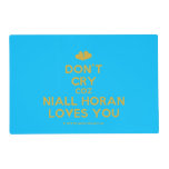 [Two hearts] don't cry coz niall horan loves you  Laminated Placemat