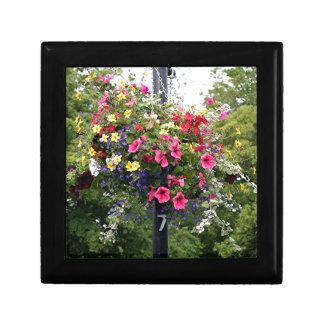 Lamp post & flowers jewelry box