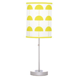 Lámpara amarilla brillante soleada del paraguas