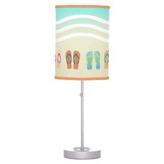 Lámpara colorida de los flips-flopes de la playa