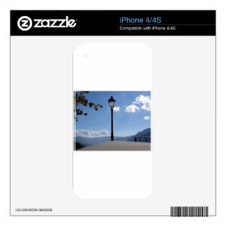Lámpara de calle del vintage contra el cielo azul calcomanías para iPhone 4S