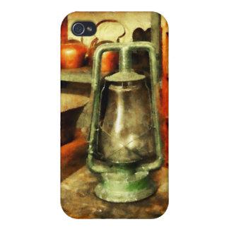 Lámpara de huracán verde en tienda general iPhone 4 carcasas