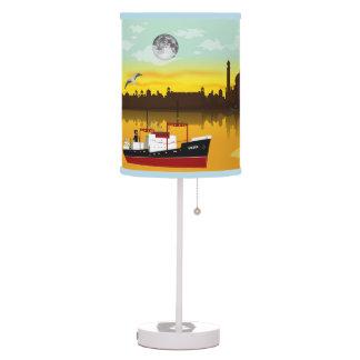 Lámpara de la historia del paisaje urbano del Mar