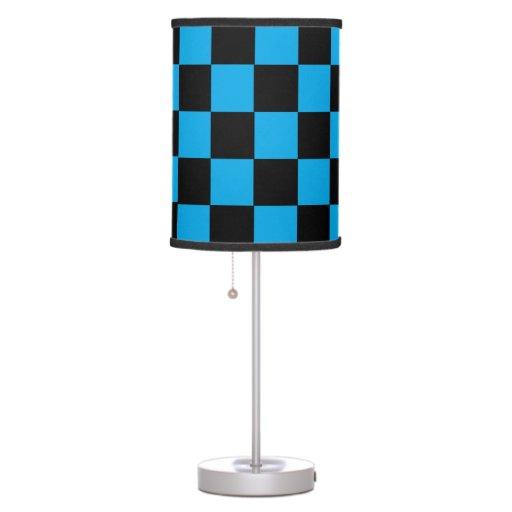 Lámpara de mesa a cuadros negra y azul