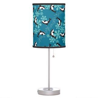 Lámpara de mesa de la ballena de la orca