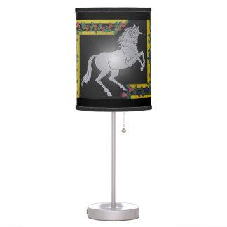 Lámpara de mesa de los unicornios