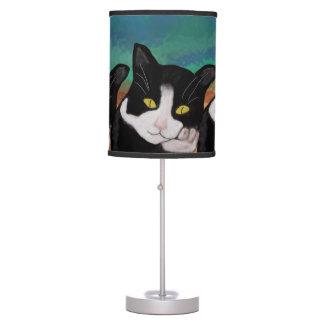Lámpara de mesa del gato del smoking