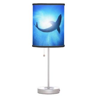 Lámpara de mesa del tiburón