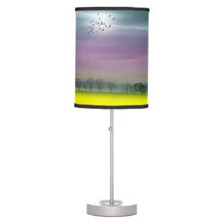 Lámpara de mesa escocesa del paisaje de la fantasí