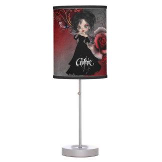 Lámpara de mesa gótica