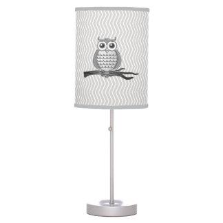 Lámpara de mesa gris de los búhos