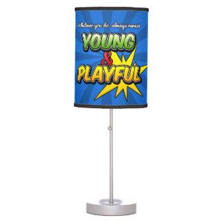 Lámpara de mesa inspirada de Young&Playful