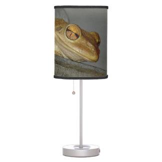 Lámpara de mesa observada loca de la rana arbórea