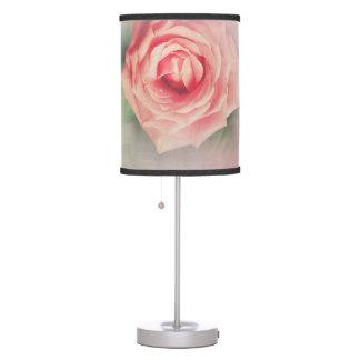 Lámpara de mesa preciosa subió vintage rosado