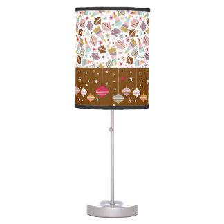 Lámpara de mesa retra del modelo del ornamento del