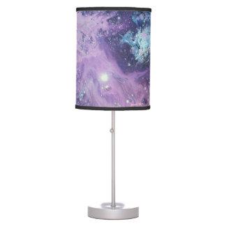Lámpara de mesa rosada de la nebulosa