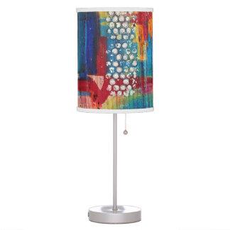 Lámpara de mesa suburbana de la colmena