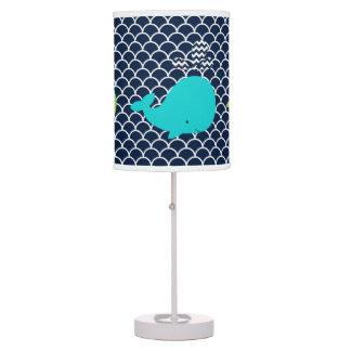 Lámpara de mesa tonta de las ballenas