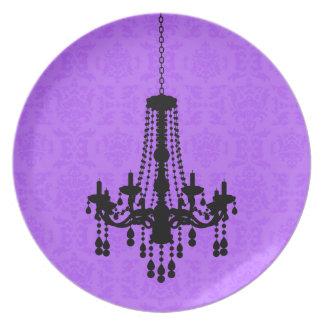 Lámpara en la placa púrpura del damasco plato de cena