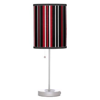 Lámpara negra, roja, y blanca de la raya vertical