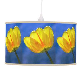 Lámpara pendiente del tulipán amarillo