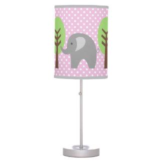 Lámpara rosada y gris del cuarto de niños de los