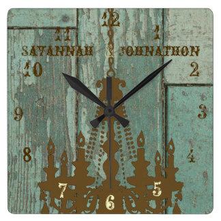 Lámpara rústica vieja elegante de madera de la reloj cuadrado