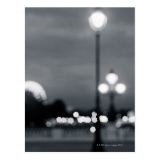 lampost en Pont Alexander en París Postal