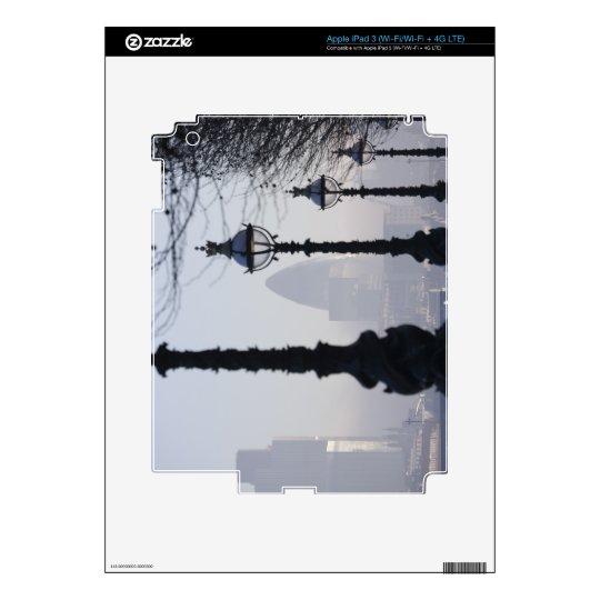 Lampposts por el río Támesis iPad 3 Pegatinas Skins
